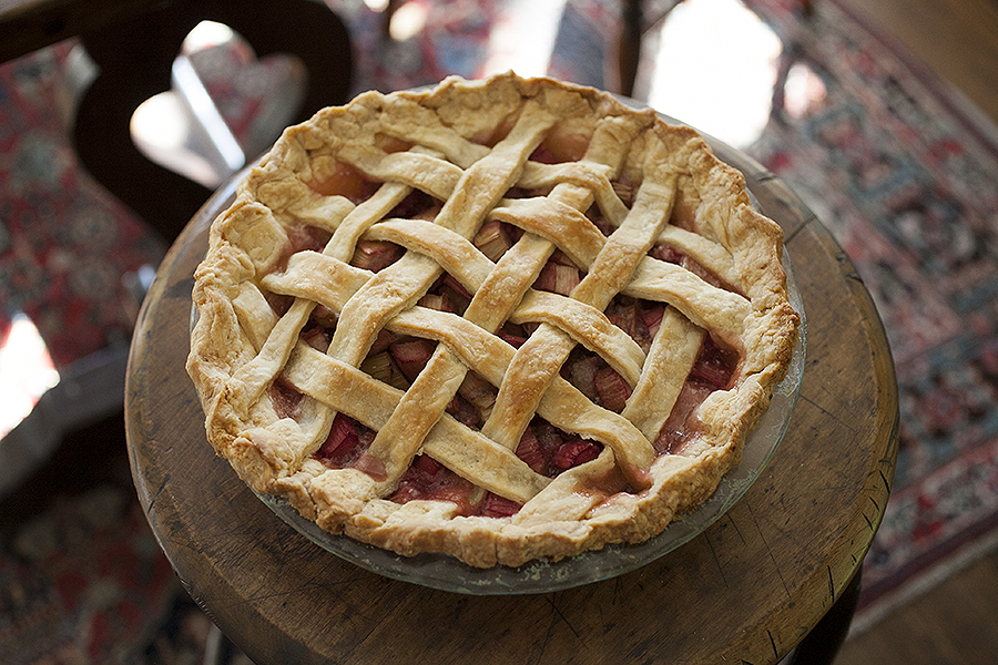 Bob's Mom's Rhubarb Pie