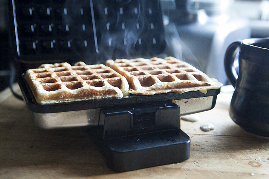 oat and grain waffles lead