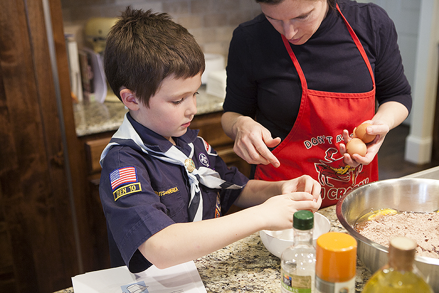 How to Boil Water: Bear Cooking School…a cub scout den meeting